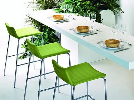Comment choisir une chaise de cuisine ou un tabouret de bar ?