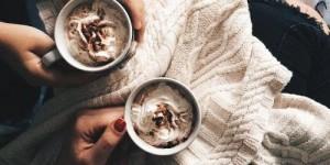 plaid, chocolat chaud, hygge, danois, art de vivre