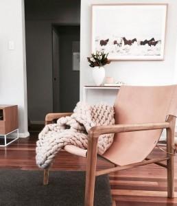 fauteuil, plaid, rose, scandinave, hygge, art de vivre